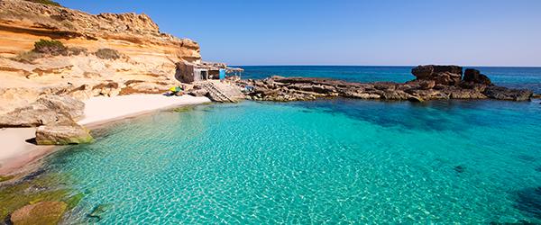 Calo des Mort beach in Formentera